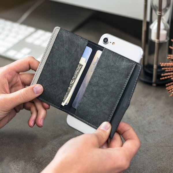 Kanga™ Folio Phone Wallet