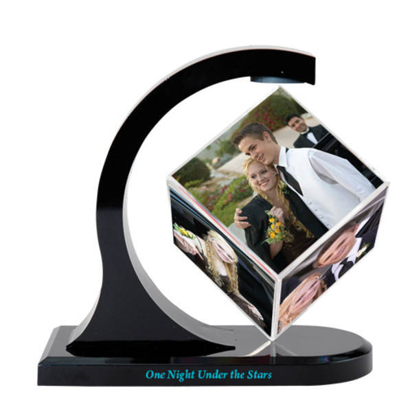Magnetic Photo Cube Spinner